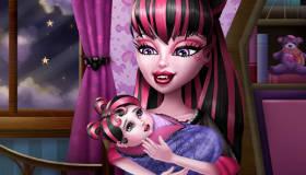 Draculaura y su bebé