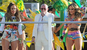 Música : Pitbull feat. JLo feat. Claudia Leitte - We Are One (Ole Ola)