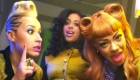 Música : Stooshe feat. Travie McCoy - Love Me