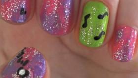 Uñas bonitas de famosas: la manicura perfecta para chicas (vídeo)