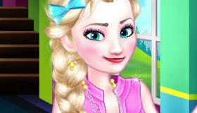 Elsa en la escuela de Frozen