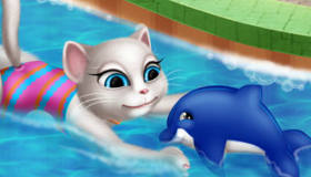 Talking Angela en la piscina